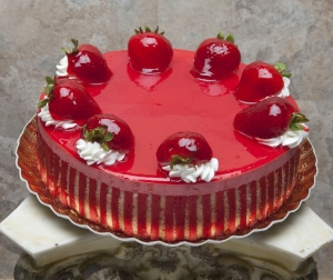 zoom_StrawberryMousseAthinlayerofstripedCake13081784800